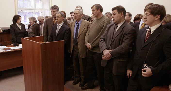 Des membres de l'organisation Témoins de Jéhovah dans un tribunal moscovite.