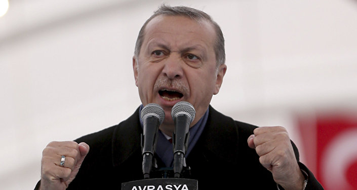 Erdogan qualifie les résultats du référendum de victoire sur «les croisés»