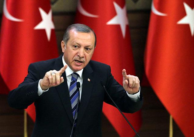 Erdogan: la Turquie serait soulagée de ne pas être acceptée dans l'UE