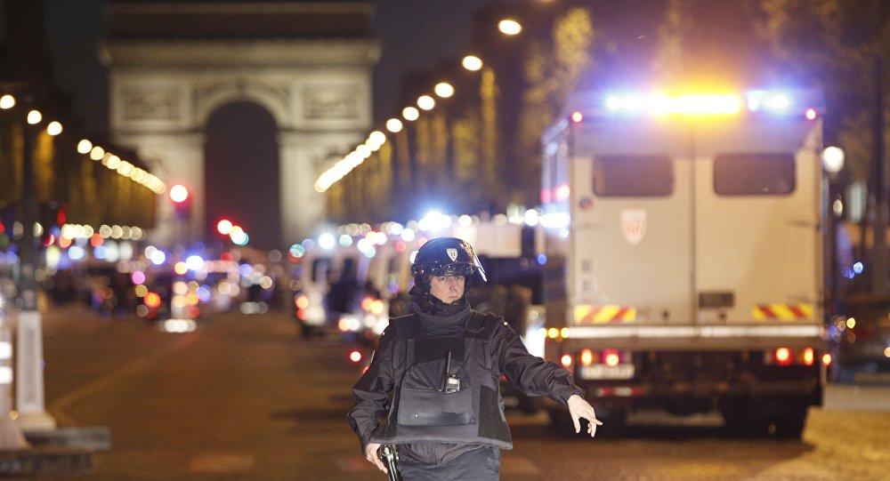 Die Welt: l'attentat de Paris, «un cadeau meurtrier pour Marine le Pen»