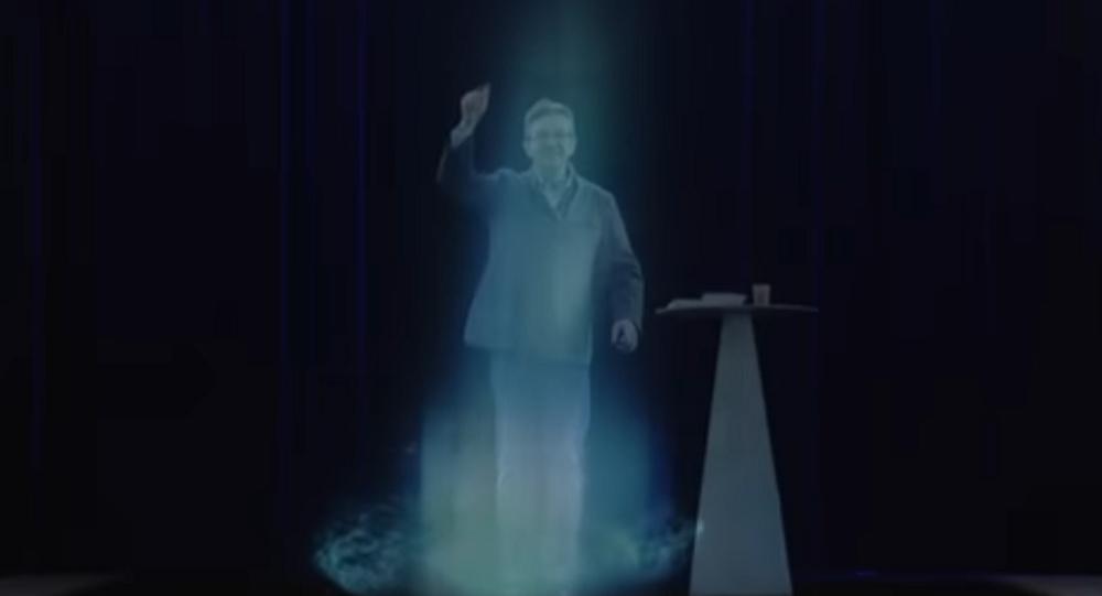 Jean-Luc Mélenchon se dédouble en hologramme à Paris