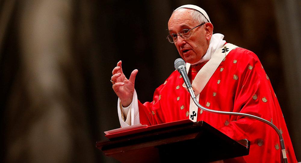 «Camps de concentration»: le pape François fustige les centres pour migrants