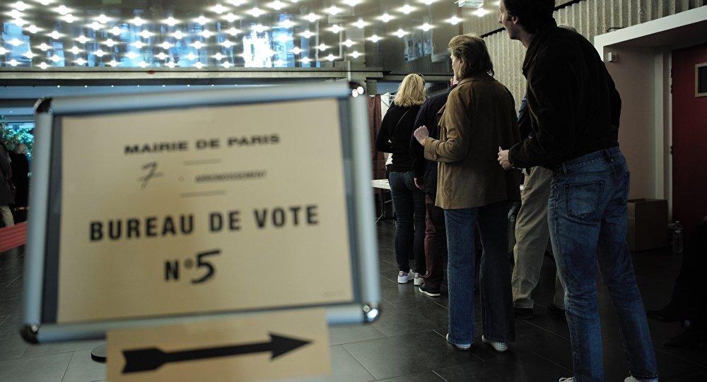 Résultats définitifs: Macron remporte le 1er tour devant Le Pen