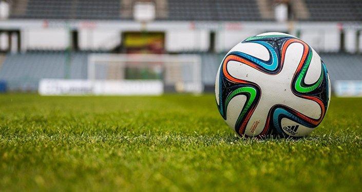 En Estonie, une équipe de foot marque un but… sans toucher le ballon (vidéo)