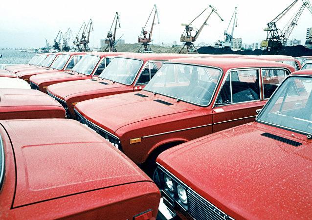 Une «planque» truffée de voitures soviétiques vintage retrouvée en France