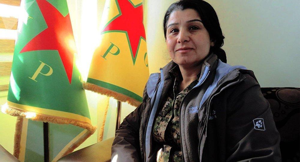 Nesrin Ebdullah, porte-parole du PYD et du bataillon féminin kurde (YPJ)
