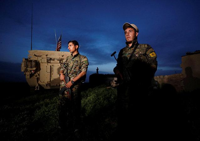 Préoccupés par la lutte contre Daech, les USA patrouillent la frontière turco-syrienne