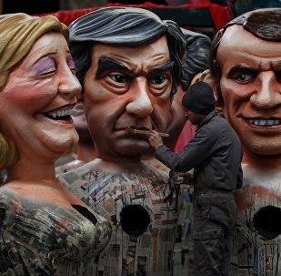 Statues de Marine Le Pen, François Fillon et Emmanuel Macron