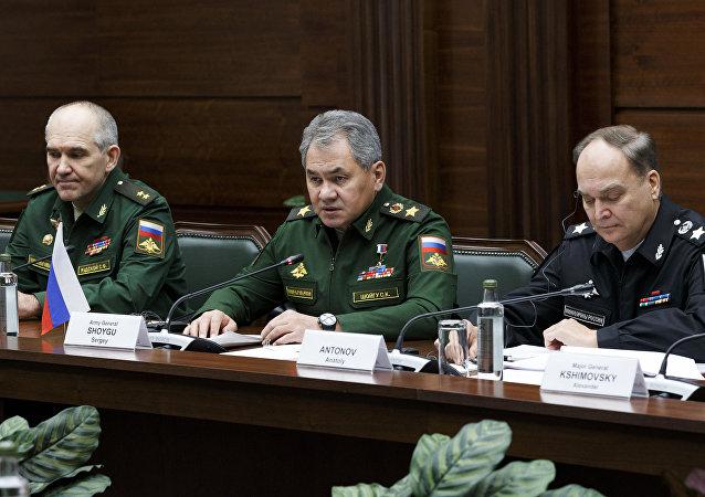 Défense russe: la Russie et USA restent en contact au niveau opérationnel en Syrie