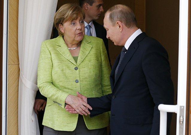 Angela Merkel et Vladimir Poutine à Sotchi
