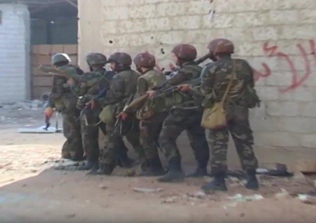 Al Kabun: l'armée syrienne détruit des tunnels stratégiques pour les djihadistes