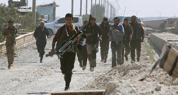 Des combattants des Forces démocratiques syriennes