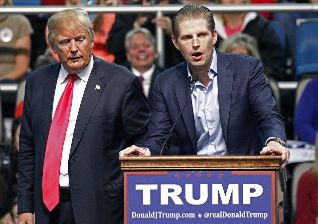 Le fils de Trump nie avoir évoqué des «investissements russes»