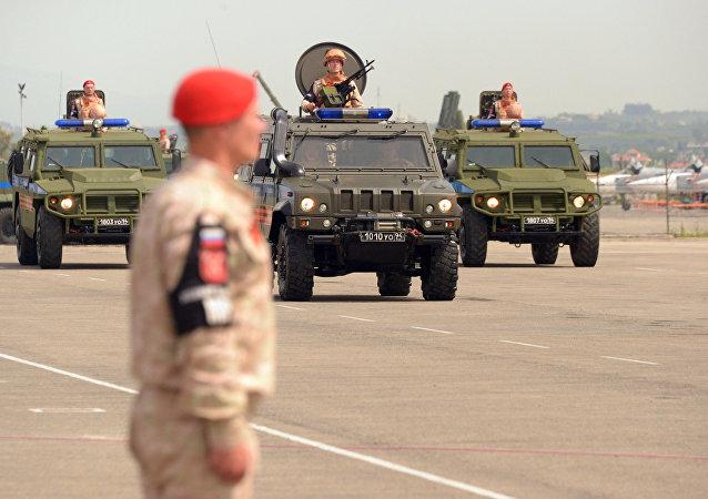 Défile militaire à Hmeimim