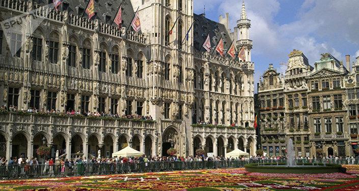Цветочный ковер на центральной площади Брюсселя
