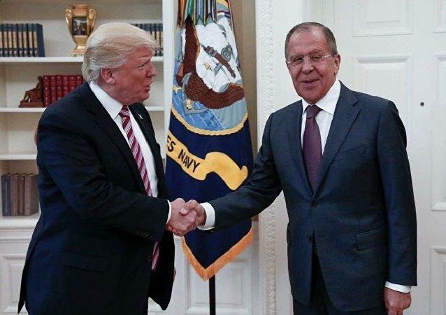 Président américain Donald Trump et Sergueï Lavrov, ministre russe des Affaires étrangères