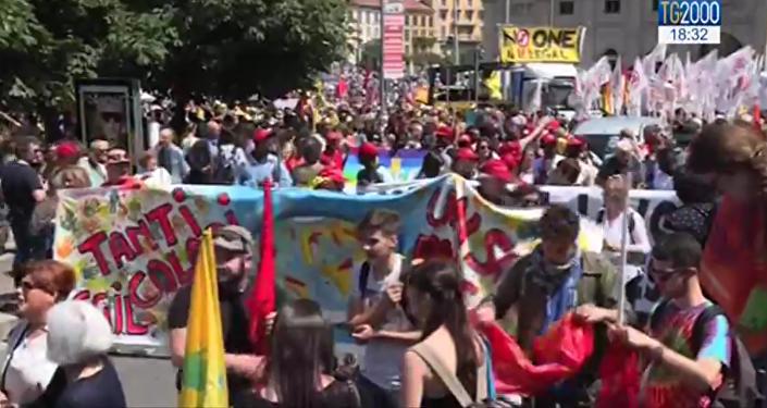 Une marche pro-migrants à Milan