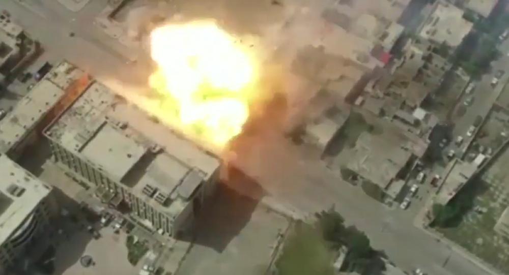 Les forces irakiennes frappent les positions de Daech à Mossoul