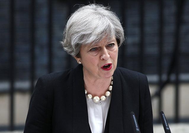 Theresa May créera une commission de lutte contre toute forme de terrorisme