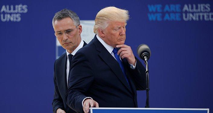 Donald Trump et Jens Stoltenberg