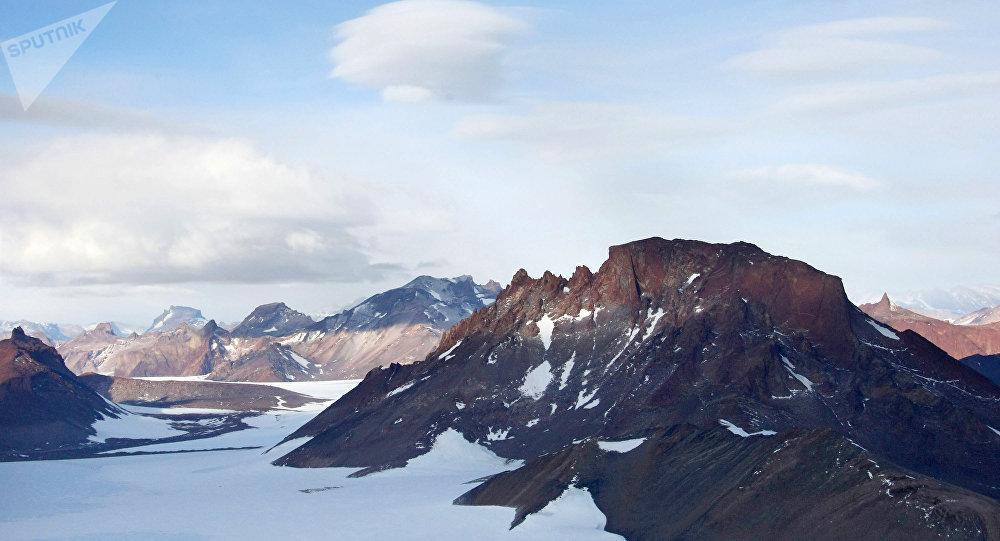 Une nouvelle explication de la vie extraterrestre découverte en Antarctique