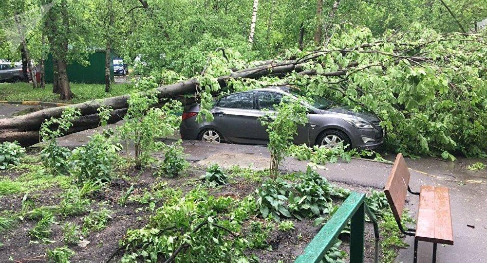 un violent orage à Moscou