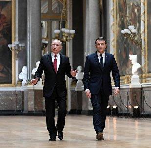 Président russe Vladimir Poutine et son homologue français Emmanuel Macron
