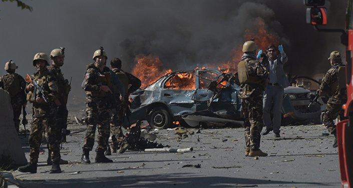 Attentat à Kaboul: le bilan s'alourdit, 15 morts et plus de 300 blessés