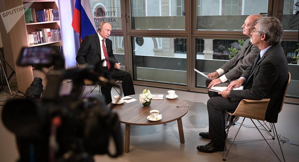 Poutine lors de l'interview accordée au Figaro