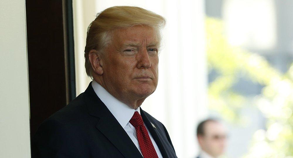 La Cour suprême va examiner le décret migratoire de Trump