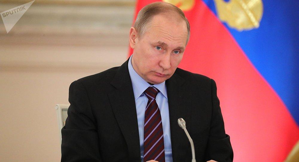 Poutine a déclaré qui déterminerait son successeur