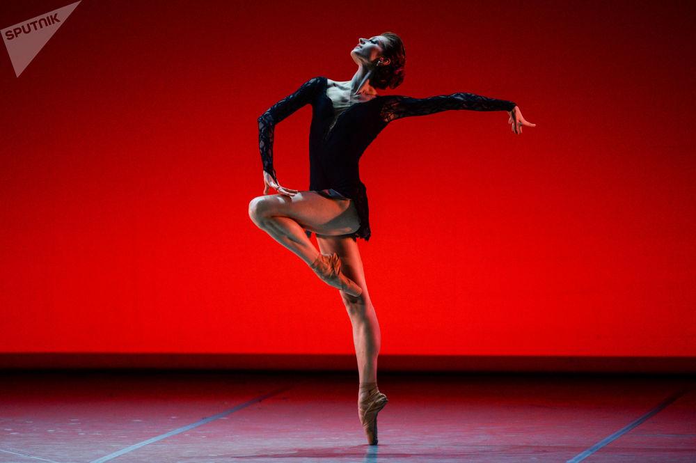 Concert de gala des vedettes du ballet russe au Théâtre Michel dans le cadre du programme culturel du Forum économique international de Saint-Pétersbourg