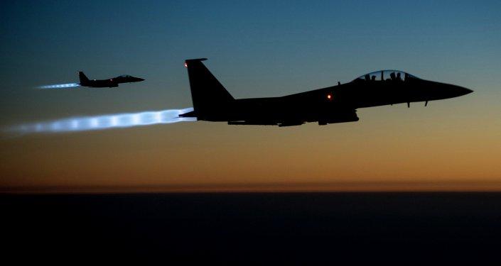 Médias syriens: un bombardement US à Raqqa tue 43 civils