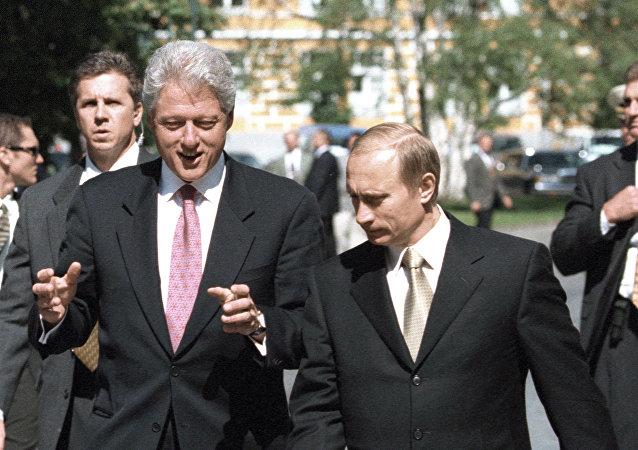 Vladimir Poutine et Bill Clinton