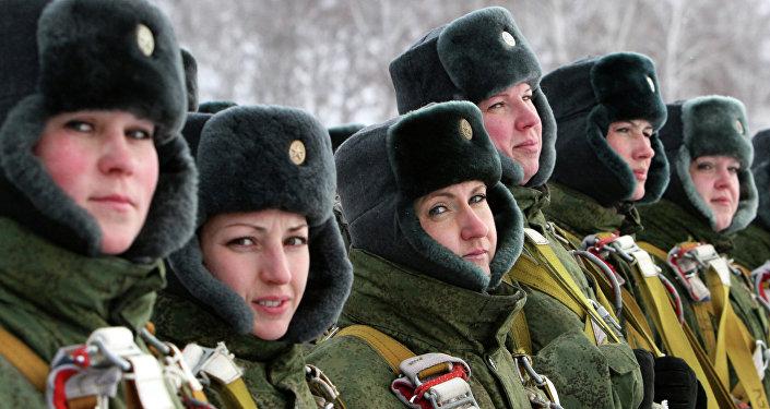 Militaires portant des ouchanka