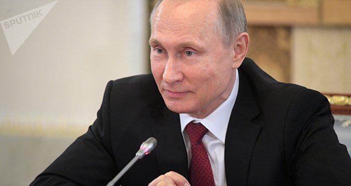 Poutine: les médias mainstream silencieux à propos du blocage des sites russes par Kiev