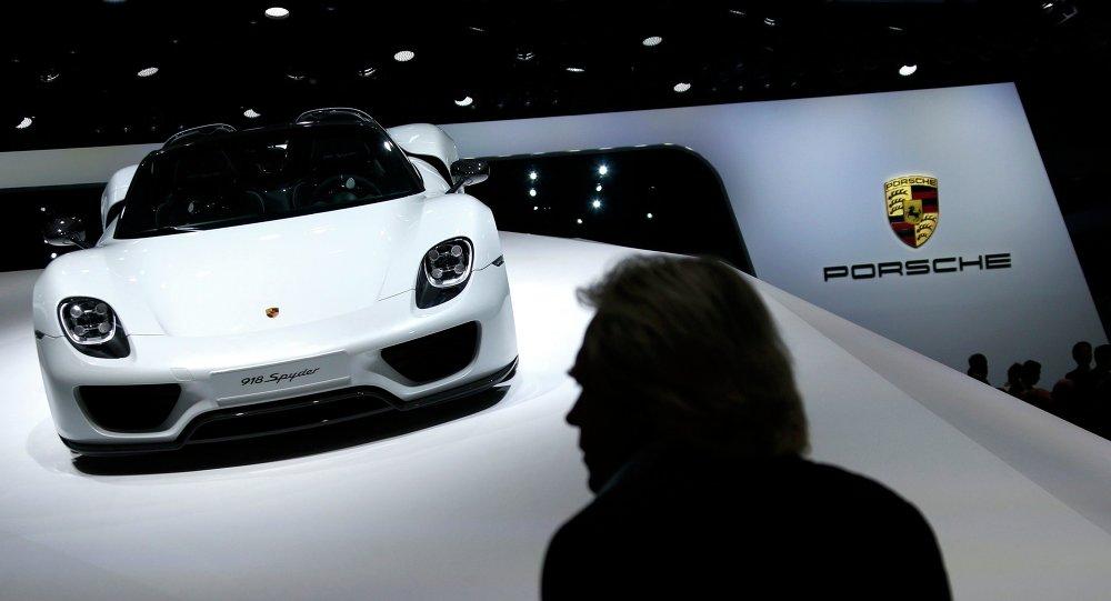 Une Porsche