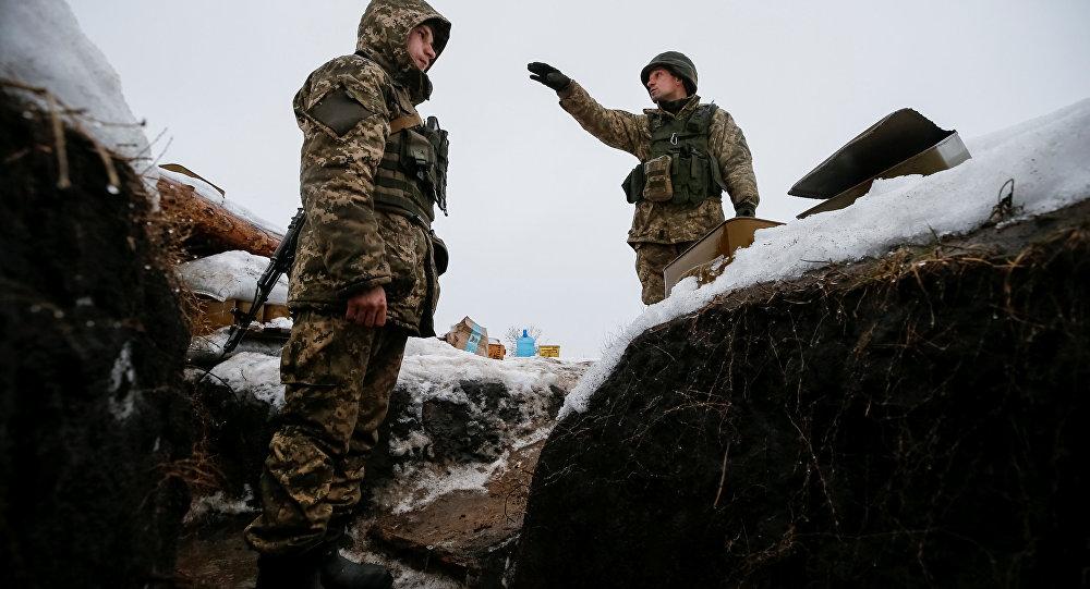 Donbass: une équipe d'ouvriers pilonnée par l'armée ukrainienne