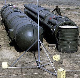 Destruction de missiles soviétiques à moyenne portée sur le polygone de Kapoustine Yar