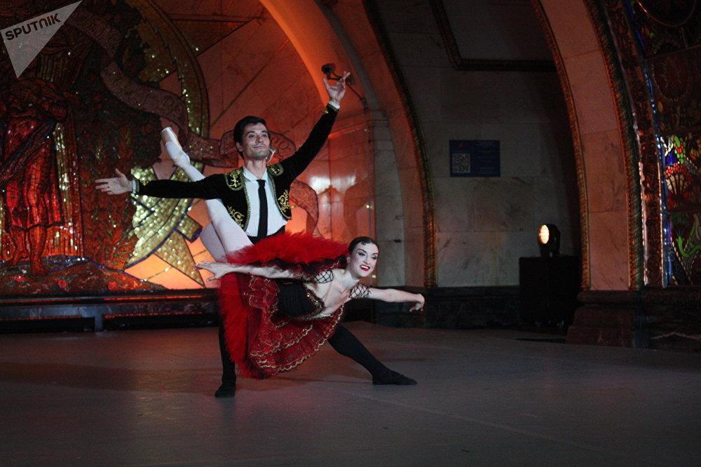 Nuit du ballet russe dans le métro. Sur la photo : Joy Womack