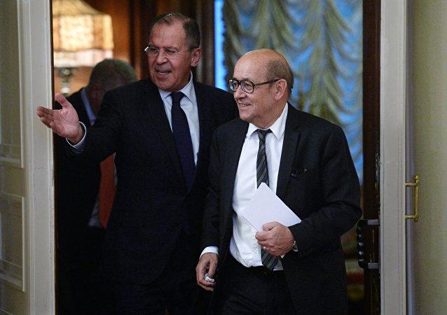 Lavrov et Jean-Yves Le Drian