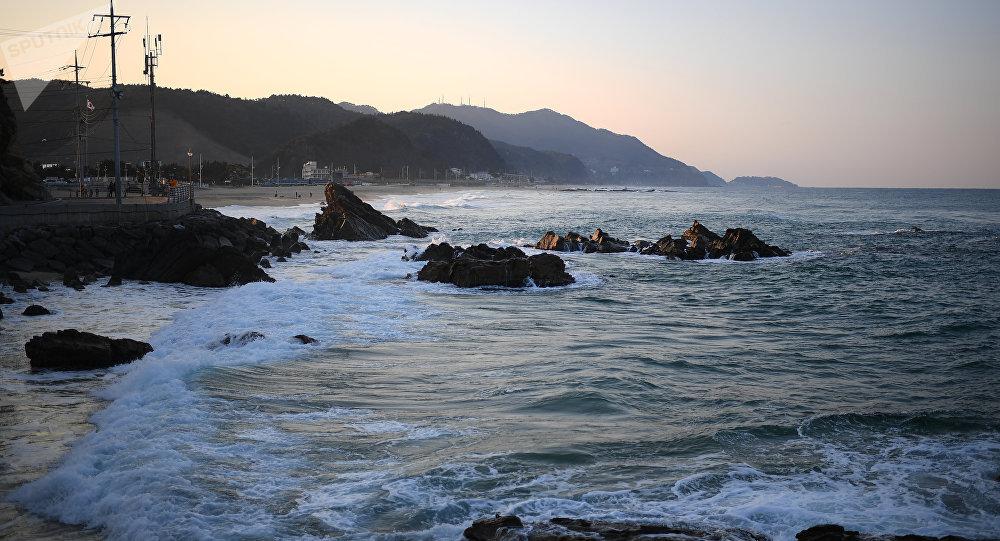 Un bateau nord-coréen arrêté par les gardes-côtes sud-coréens en mer du Japon