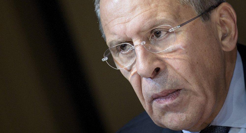 Lavrov sermonne de nouveau des journalistes