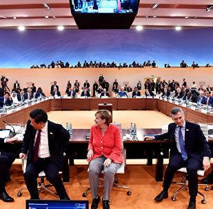 Vin, bière et pistes de danse: comment travaillent les journalises au G20