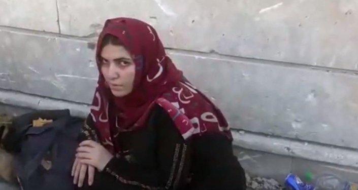Les épouses de combattants de Daech parlent devant la camera
