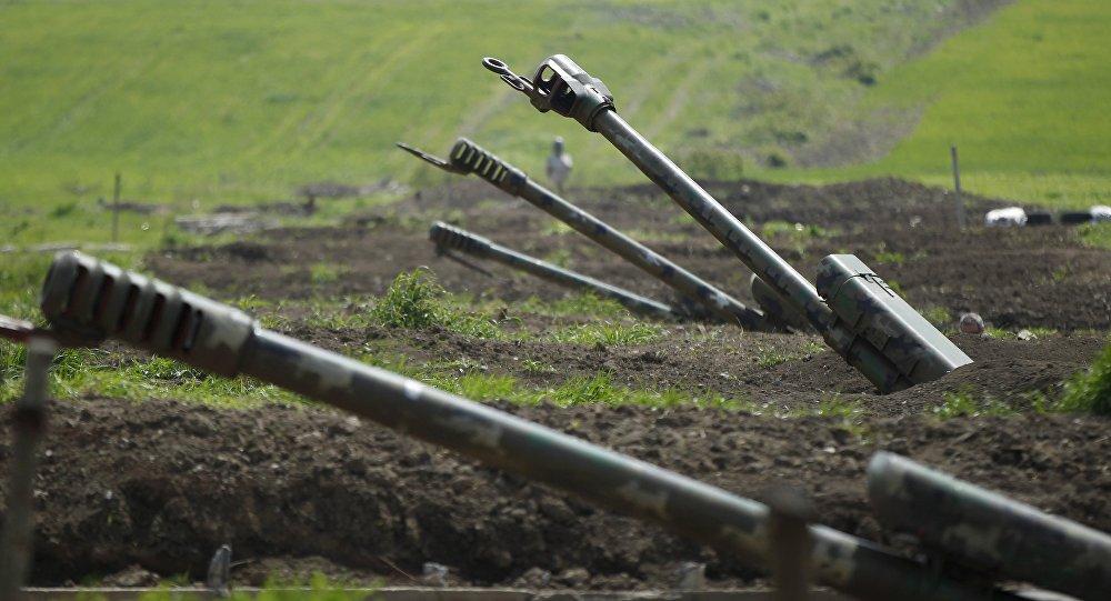 Haut-Karabakh: l'armée azerbaïdjanaise pilonne l'armée arménienne
