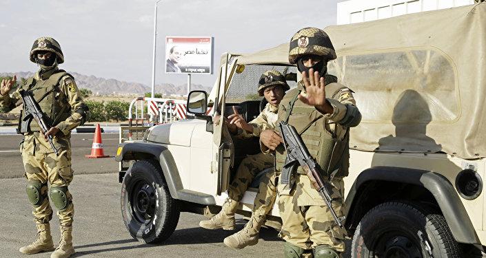 Des soldats égyptiens dans le Sinaï