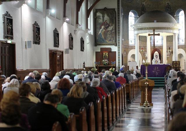 L'Église épiscopale adaptera ses offices aux transgenres