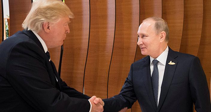 Le Président américain Donald Trump et le Président russe Vladimir Poutine