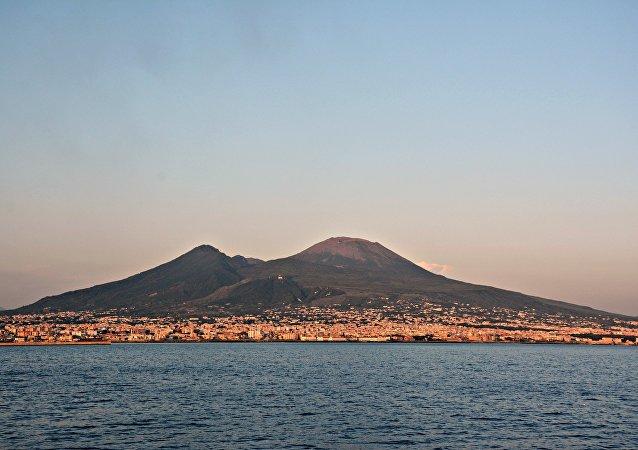 Il Vesuvio visto dal mare